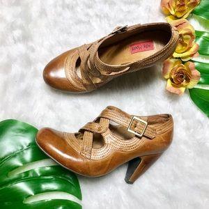 Miz Mooz Cognac Tan Distressed Soho Heels - 7